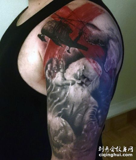 大臂个性的直升机纹身图案