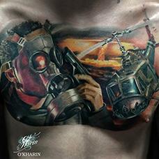 胸前写实帅气的直升机纹身图案