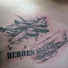 胸前直升机和水上飞机纹身图案