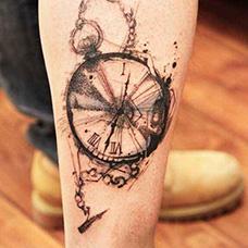 小腿好看的钟表纹身图案