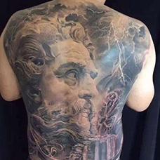满背霸气宙斯纹身图片