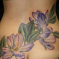 腰部紫罗兰纹身图片