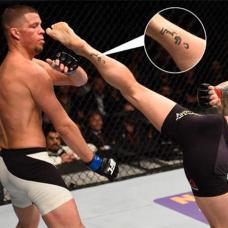 UFC嘴炮康纳小腿阿拉伯语纹身