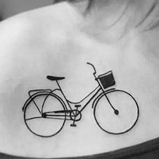 锁骨自行车纹身图片