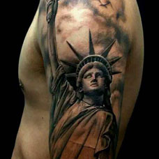 大臂经典自由女神纹身图案