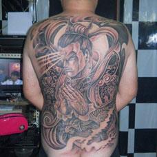 帅气的满背二郎神纹身图片