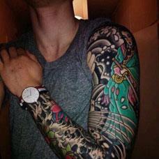 男士花臂仕女纹身图片