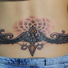 腰部翅膀图腾纹身图案