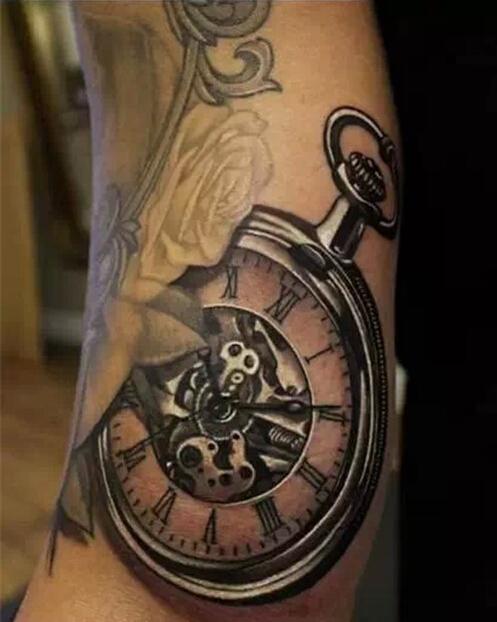 经典怀旧手臂怀表纹身