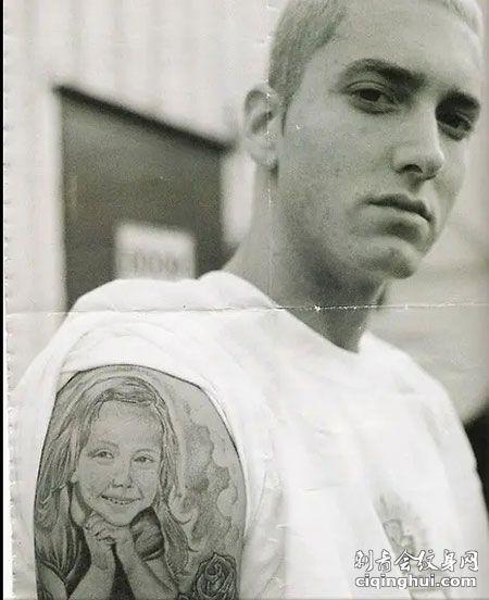 高清埃米阿姆上臂纹身图案