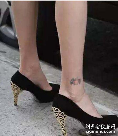 小清新唐嫣脚踝糖果小纹身