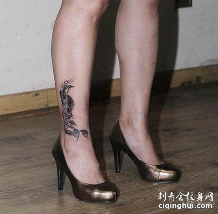 女明星郝蕾脚踝霸气遮盖纹身