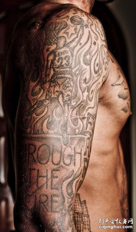 JR史密斯手臂灌篮帅气纹身