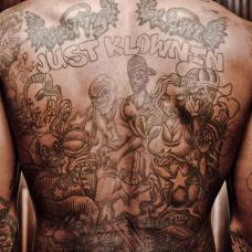 JR史密斯满背亲人抽象纹身
