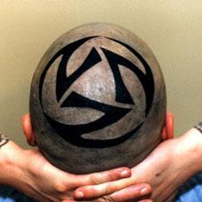 头部足球符号纹身图案